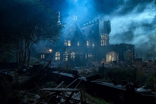 haunting-of-hill-house-photo-1032695
